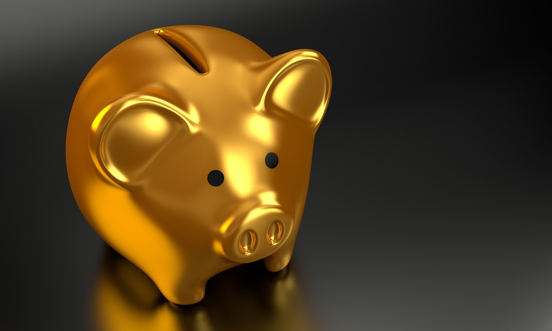 gold piggy bank where you save money when moving across the US
