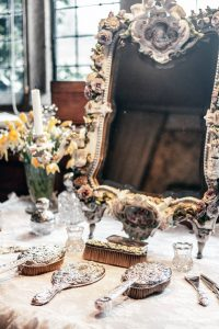 Antique furniture - How to store your antique furniture safely