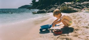 Best places for single parents in Florida include fantastic beaches